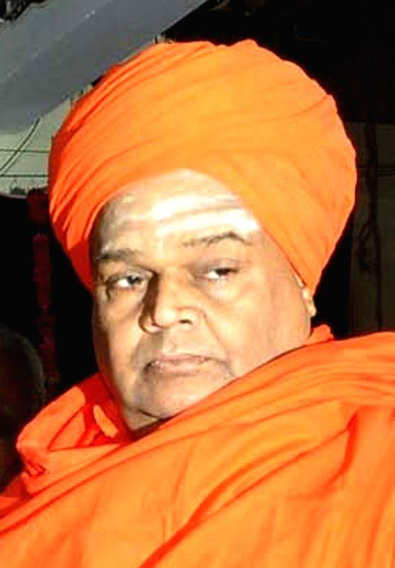 :Gadag: Tontadarya Mutt in-charge Tontadarya Siddalinga Swami who passed away in Karnataka's Gadag, on Oct 20, 2018. (Image Source: IANS).