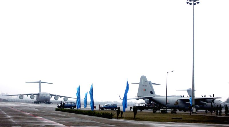 Ghaziabad: C-17 Globemaster III and C-130J Hercules of Indian Airforce at Hindon Air Force Station in Ghaziabad, on Jan 2, 2015.