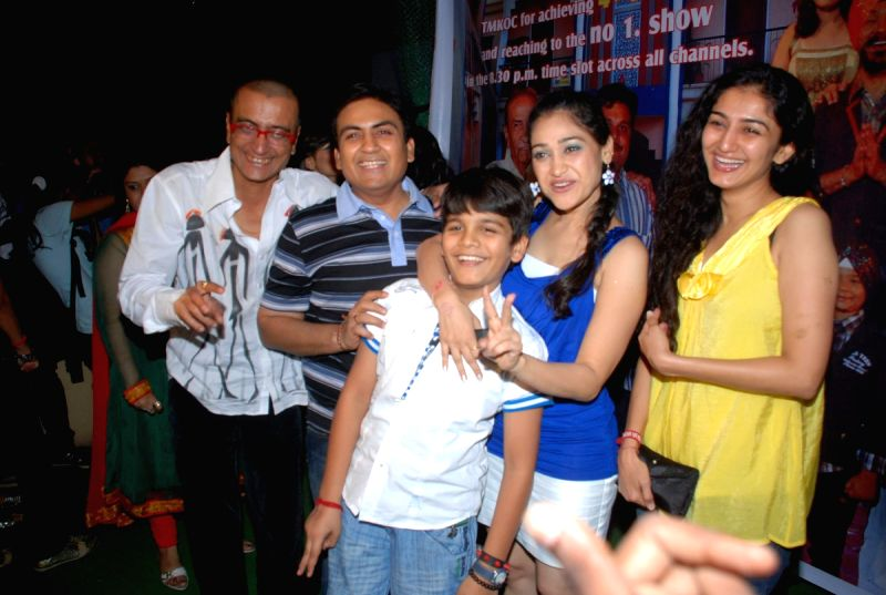 "Glam Bhootni Mamta at ""Tarak mehta Ka Oolta Chasma ... Taarak Mehta Ka Ooltah Chashmah Cast"