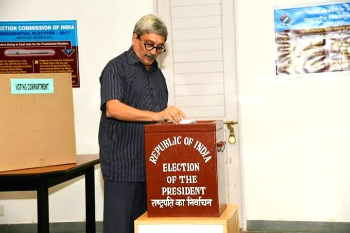 Presidential polls - Parrikar casts his vote - Manohar Parrikar