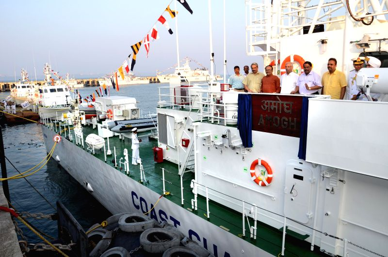Defence Minister Manohar Parrikar, Goa Chief Minister Laxmikant Parsekar and others during a programme organised to commission four Coast Guard ships Ameya, Amogh, C-413 and C414 at Mormugao ... - Manohar Parrikar
