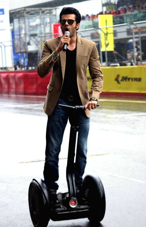 Greater Noida: Actor Manish Paul at the Buddh International Circuit during the Season II of the T1 PRIMA Truck Racing Championship 2015 in Greater Noida on March 14, 2015. - Manish Paul
