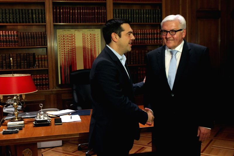 Greek Prime minister Alexis Tsipras (L) meets with German Foreign Minister Frank-Walter Steinmeier in Athens, Greece, Oct. 29, 2015. - Alexis Tsipras