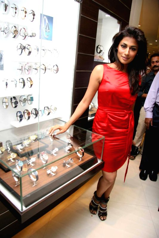 Guest At Chitrangada Unveils Titan S Obaku Collection At