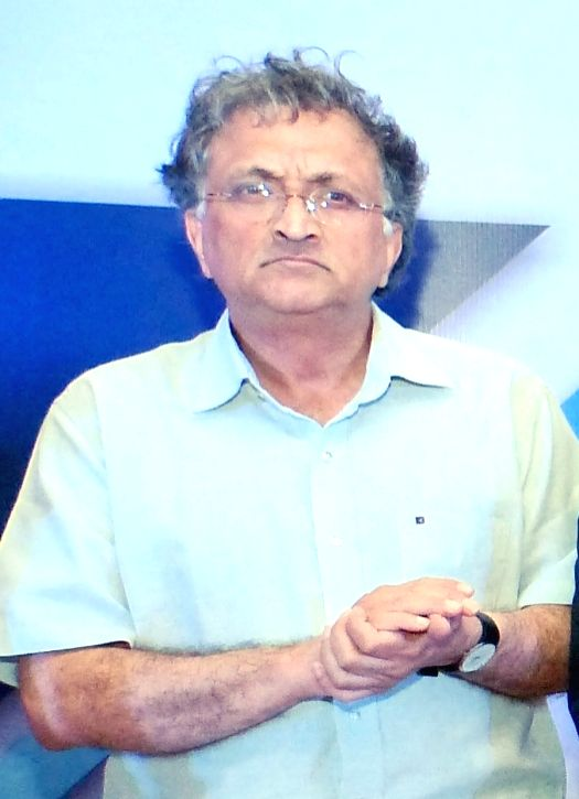 Guha lashes out Ganguly, superstar culture in Indian cricket