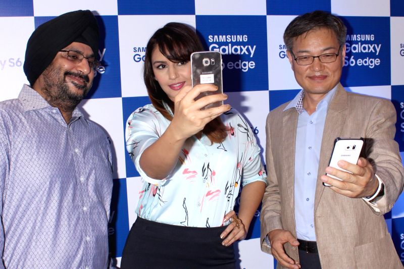 Actress Huma Qureshi at the launch of Samsung Galaxy S6 and S6 edge in Gurgaon, on April 10, 2015.