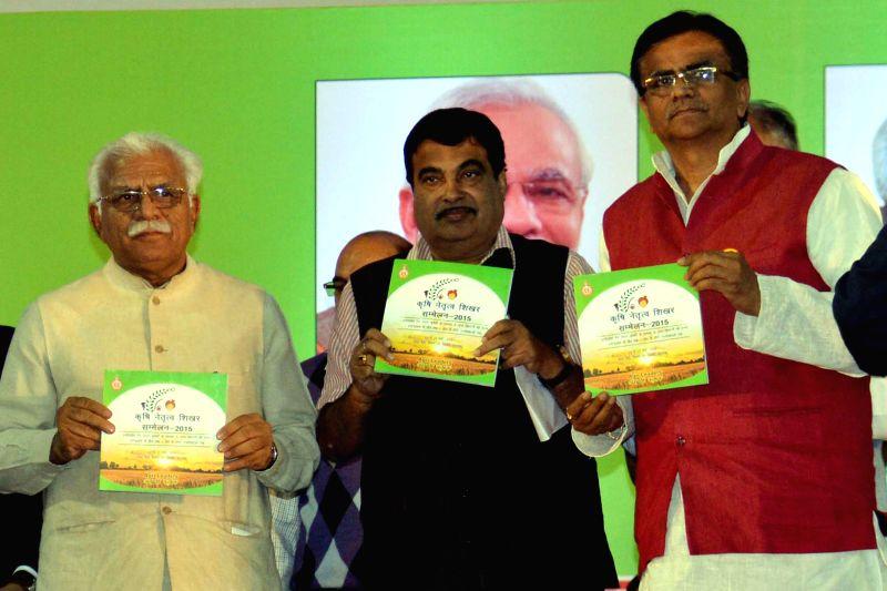 Haryana Chief Minister Manohar Lal Khattar releases ``Krishi Netratav Shikhar Sammelan - 2015`` - a booklet at the `Agri Leadership Summit - 2015` in Gurgaon on March 13, 2015. - Manohar Lal Khattar