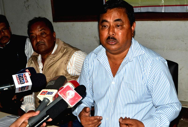 All Assam Water Resources Contractors​'​ Association president Muhi Borgohain addresses a press conference, in Guwahati on Feb 18, 2015.