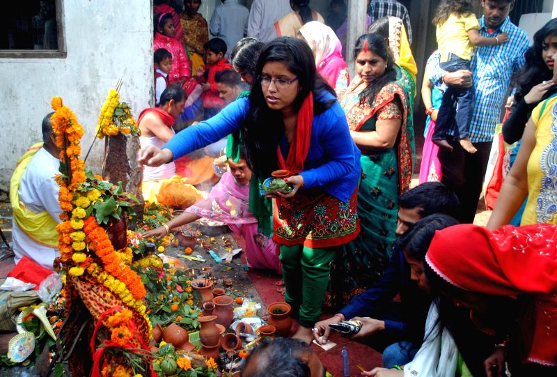 Devotees worship lord Shiva at a Guwahati temple on Mahashivratri on Feb 17, 2015.