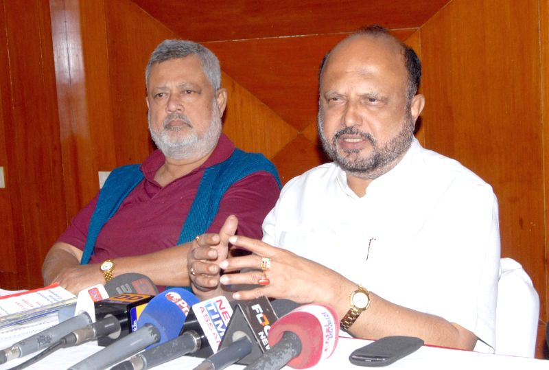 Prafulla Kumar Mahanta, former Assam Chief Minister and AGP President addressing the media on the proposed India-Bangla land swap deal at Guwahati on Dec 6, 2014.