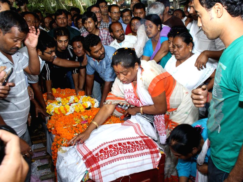The relatives of Rina Das, one of the victims of Nepal earthquake at her funeral in Guwahati, on April 29, 2015.