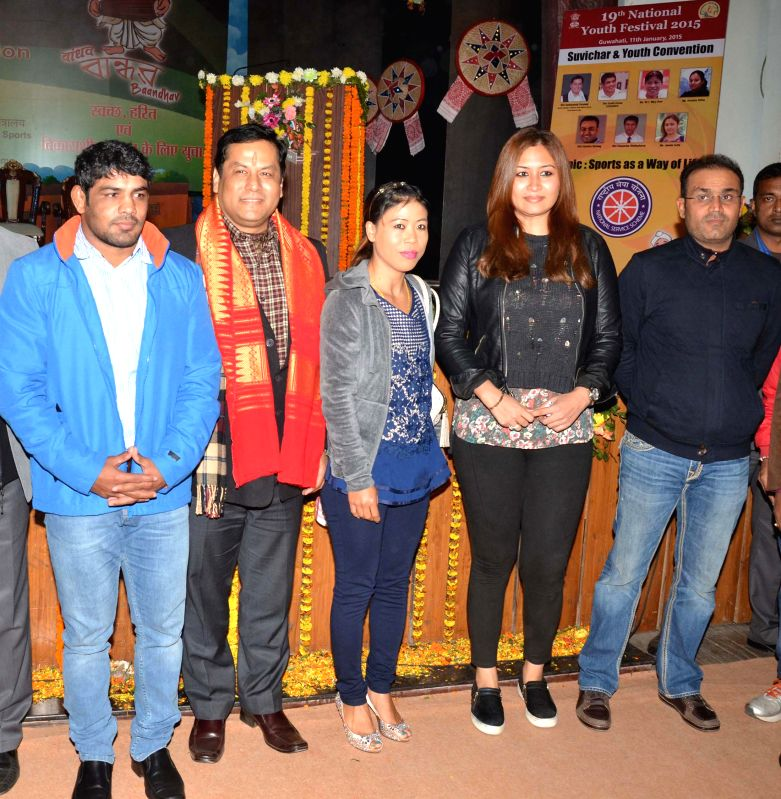 The Union Minister of State for Youth Affairs and Sports (Independent Charge), Sarbananda Sonowal with  cricketer Virender Sehwag, badminton player Jwala Gutta, boxer M.C. Mary Kom and ... - Mary Kom and Sushil Kumar