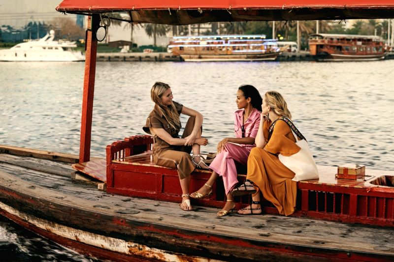 Gwyneth Paltrow, Kate Hudson and Zoe Saldana.