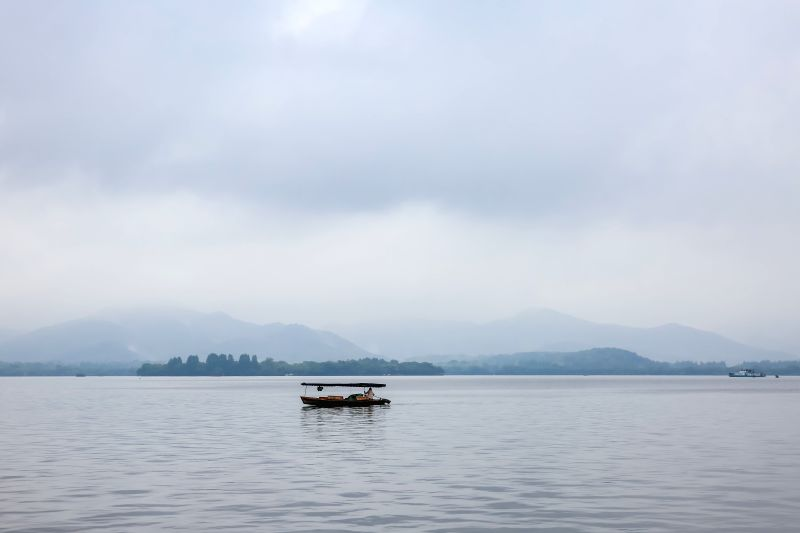 HANGZHOU, May 2, 2017 - A boat moves on West Lake in Hangzhou, capital of east China's Zhejiang Province, May 2, 2017.
