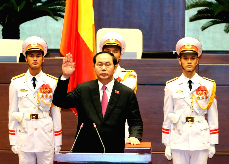 HANOI, July 25, 2016 - Vietnamese President Tran Dai Quang (C, front) makes his sworn-in statement in Hanoi, capital of Vietnam, July 25, 2016. Tran Dai Quang was re-elected President of Vietnam with ...