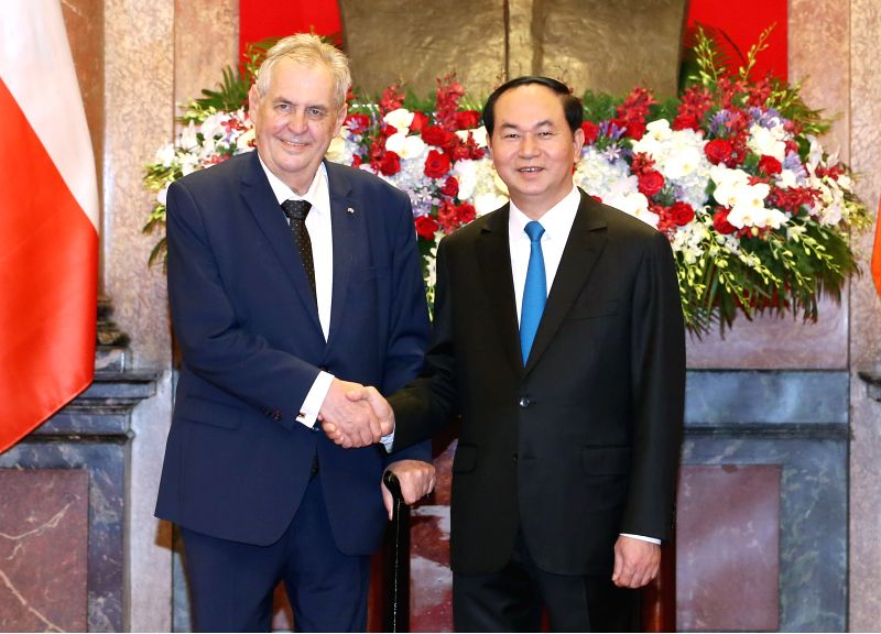 HANOI, June 7, 2017 - Vietnamese President Tran Dai Quang (R) shakes hand with his Czech counterpart Milos Zeman in Hanoi, Vietnam, on June 7, 2017. Vietnam and the Czech Republic agreed here ...