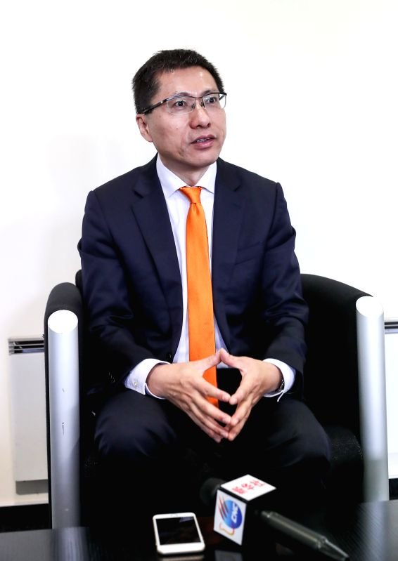 HANOVER (GERMANY), April 25, 2017 The vice president of Midea Group, a Chinese electrical appliances manufacturer, Andy Gu, now also the chairman of KUKA's supervisory board, is ...