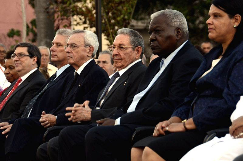 HAVANA, Jan. 29, 2018 - Cuban President Raul Castro (3rd R, front) attends the unveiling ceremony in Havana, Cuba, Jan. 28, 2018. Cuban President Raul Castro unveiled here on Sunday a sculpture of ...