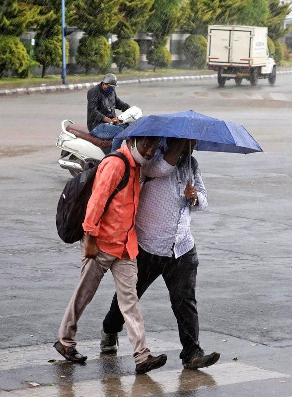 Heavy rains lash Bengaluru City on Saturday 20th February 2021
