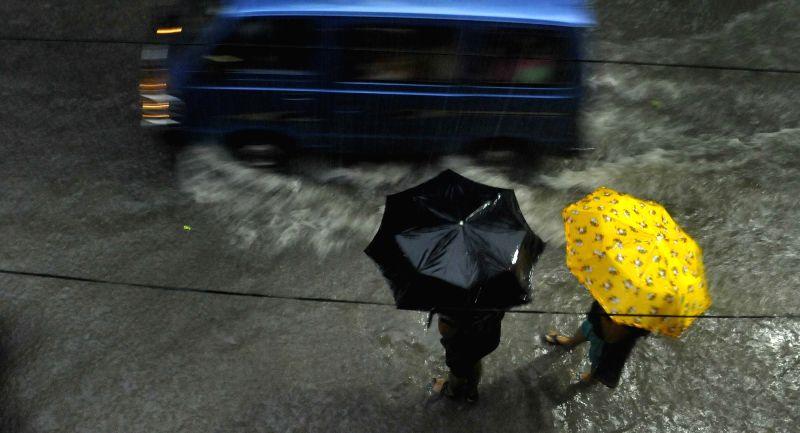Heavy rains lash Kolkata on Aug 8, 2016.