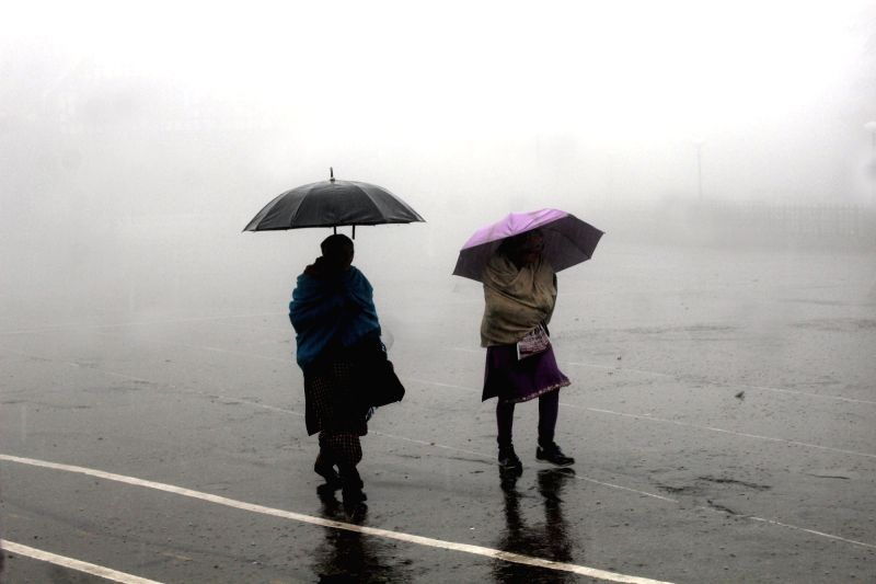 Heavy rains lash Shimla on Dec 11, 2015.