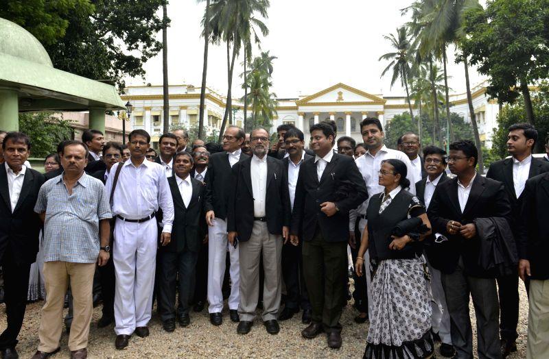 HC lawyers meet Bengal Governor
