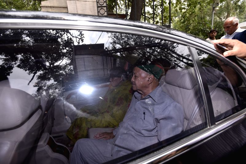 Himachal Chief Minister Virbhadra Singh at Patiala House court in New Delhi on May 29, 2017. - Virbhadra Singh