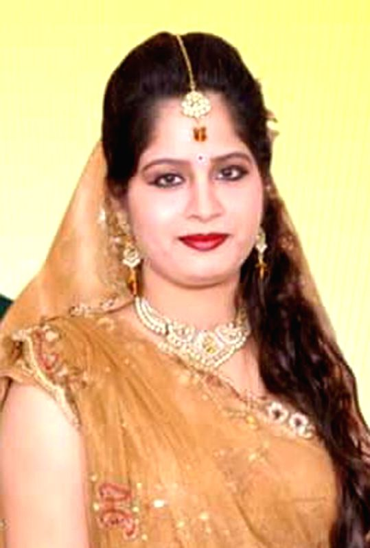 Himani Kashyap, daughter-in-law of BSP Rajya Sabha MP Narendra Kashyap who was found dead with a gunshot injury on her head in her bathroom; in Ghaziabad on April 6, 2016. (File Photo: ... - Himani Kashyap and Narendra Kashyap
