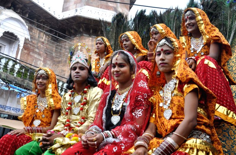 bhopal hindu personals City of bhopal: muslim-hindu cultural story of afghan soldiers, gond warlords and begums bhopal is the capital of madhya pradesh.