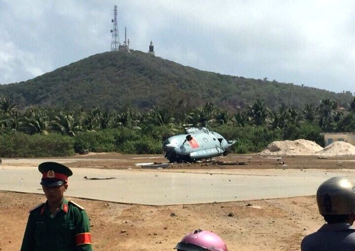 Photo taken on March 26, 2015 shows the accident site on Phu Quy island, central Binh Thuan province, Vietnam. At least three Vietnamese soldiers were ...