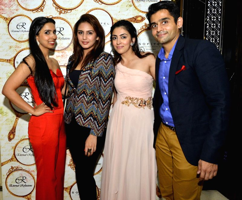 Huma Qureshi with Vashial and Mahira Mankani, Pooja Vijan Gurnani during the High Tea Jewellery Preview in Mumbai on July 5, 2014.