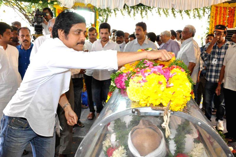 Actor Akkineni Nagarjuna pays his last respect to multilingual Indian film producer Daggubati Ramanaidu (D Ramanaidu), who breathed his last on 18th Feb 2015 , in Hyderabad on Feb 19, ... - Akkineni Nagarjuna