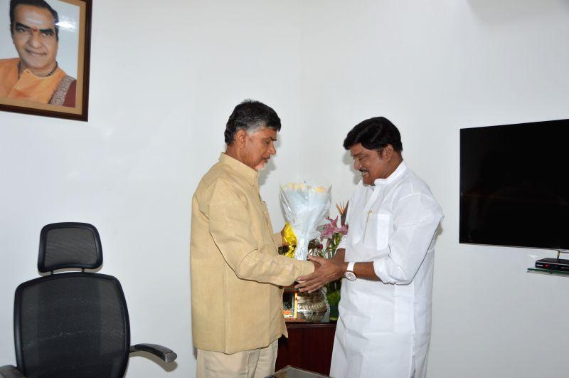 Actor Rajendra Prasad calls on Andhra Pradesh Chief Minister N. Chandrababu Naidu in Hyderabad. - N. Chandrababu Naidu