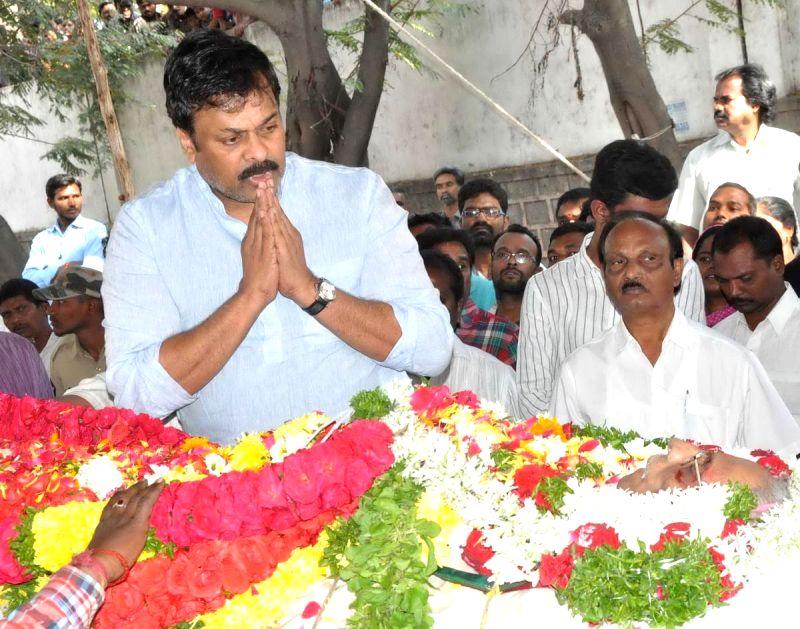 Actor turned politician Chiranjeevi pays tribute to Telugu filmmaker V.B Rajendra Prasad, breathed his last Monday (12th Jan 2015) in Hyderabad, on Jan 13, 2015. Prasad was undergoing ...