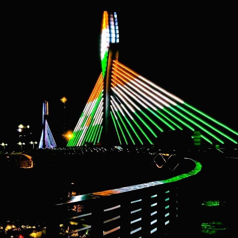 Hyderabad adds new landmark with hanging bridge