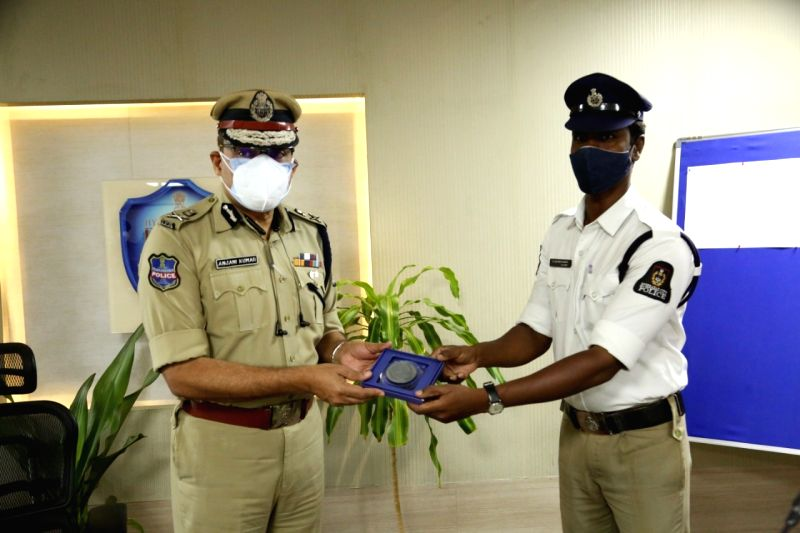 Hyderabad cop's act of kindness wins hearts
