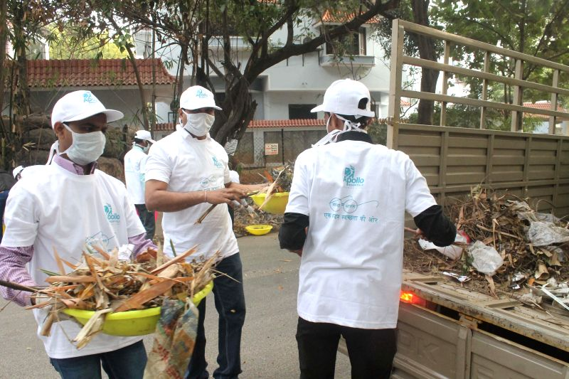Doctors participate in Clean India Campaign on Republic Day in Hyderabad on Jan 26, 2015.