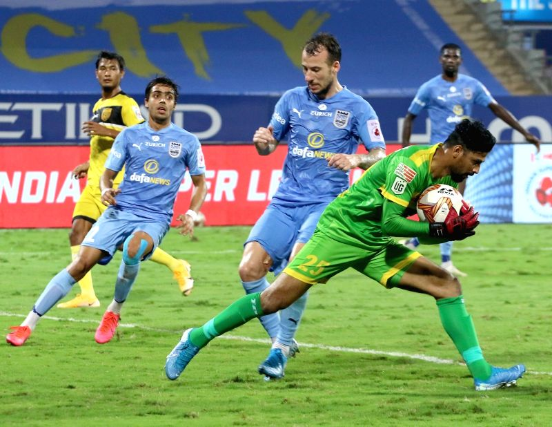 Hyderabad hold Mumbai City to goalless draw (credit : ISL)