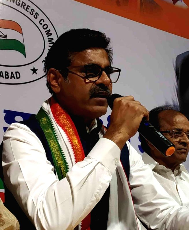 Hyderabad: Konda Vishweshwar Reddy, who recently joined Congress addresses a press conference in Hyderabad on Nov 25, 2018.