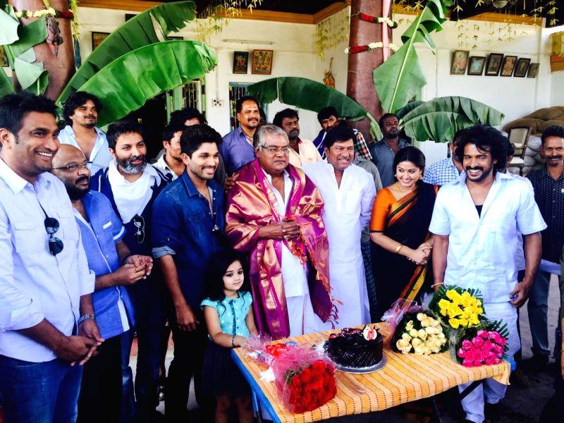 Kota Srinivasa Rao announced for Padma Sri award in this connection film unit included Allu Arjun, Trivikram Srinivas, Rajendra Prasad felicitated Kota Srinivsa Rao at Harika and Hansika .. - Srinivasa Rao and Srinivsa Rao