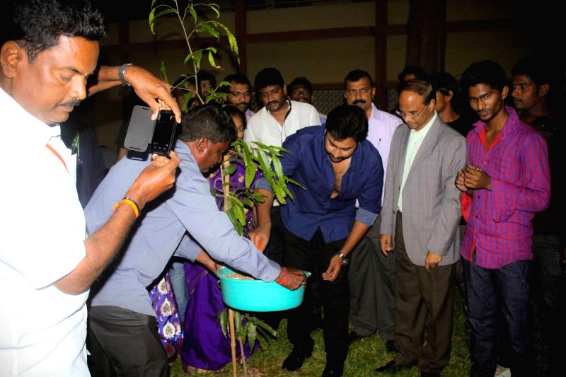 Nara Rohith visited Vizag Geetam Institute and participated in Swatch Bharath programme.