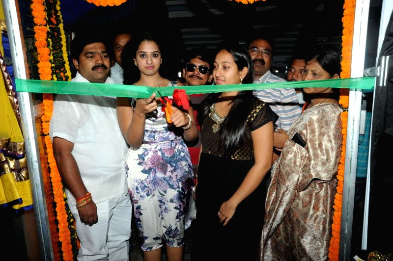 Ramleela movie unit ingurated Ugadi Vastra Vaibhavam Exhibition.