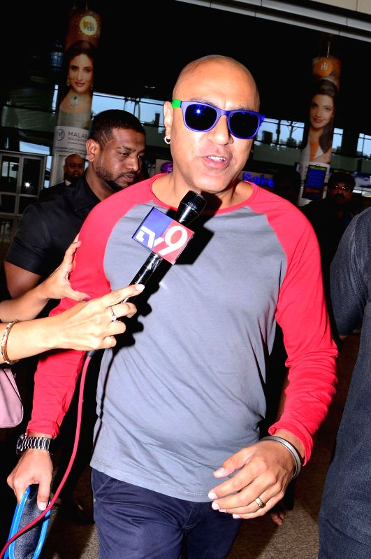 Singer Baba Sehgal arrive at Shamshabad Airport to attend wedding ceremony of Salman`s sister in Hyderabad.
