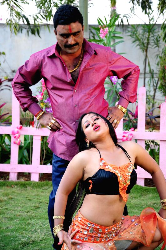 Stills from Telugu film `nuvvenaa`.