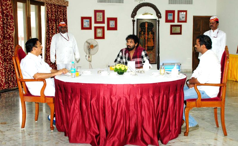 Stills of actor Manchu Vishnu with Hon'ble Governor of Maharashtra Shri CH. Vidyasagar Rao.
