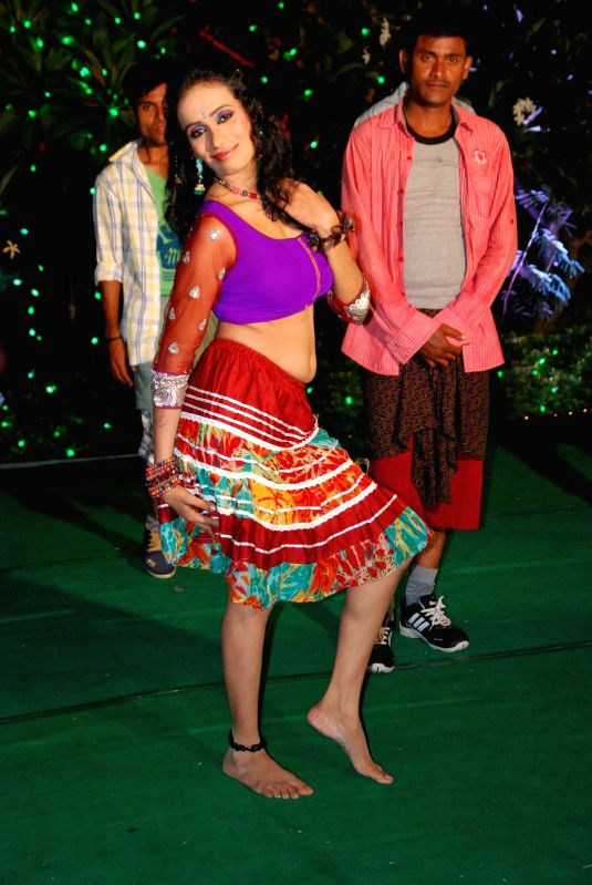 Stills of telugu movie Theeradha.