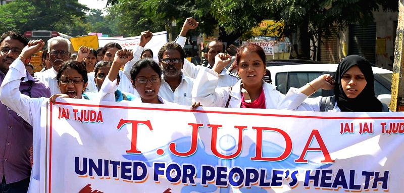 Striking junior doctors participate in demonstration to press for their demands in Hyderabad, on Nov 27, 2014.