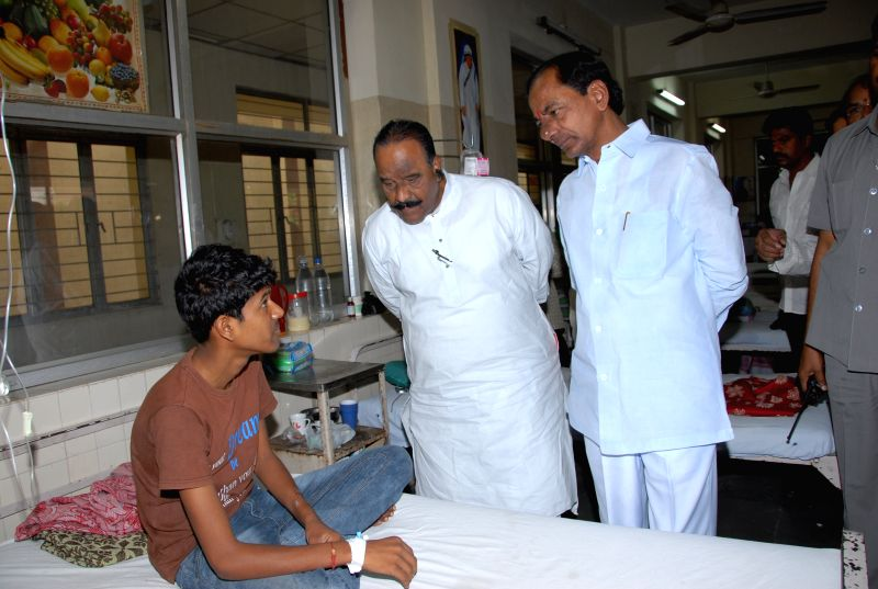 Telangana Chief Minister K Chandrasekhar Rao`s surprise visit to Government Fever Hospital at Nallakunta, Hyderabad on April 11, 2015. - K Chandrasekhar Rao