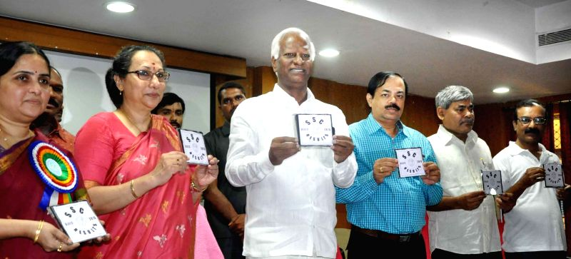 Telangana Deputy Chief Minister Kadiyam Srihari releases SSC results CD in Hyderabad, on May 17, 2015. - Kadiyam Srihari