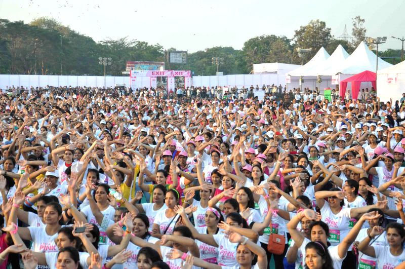 Women in large numbers participate in `Pinkathon` organised in Hyderabad on March 15, 2015.